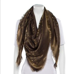 Louis Vuitton Monogram Shine scarf/shawl. NWOT.